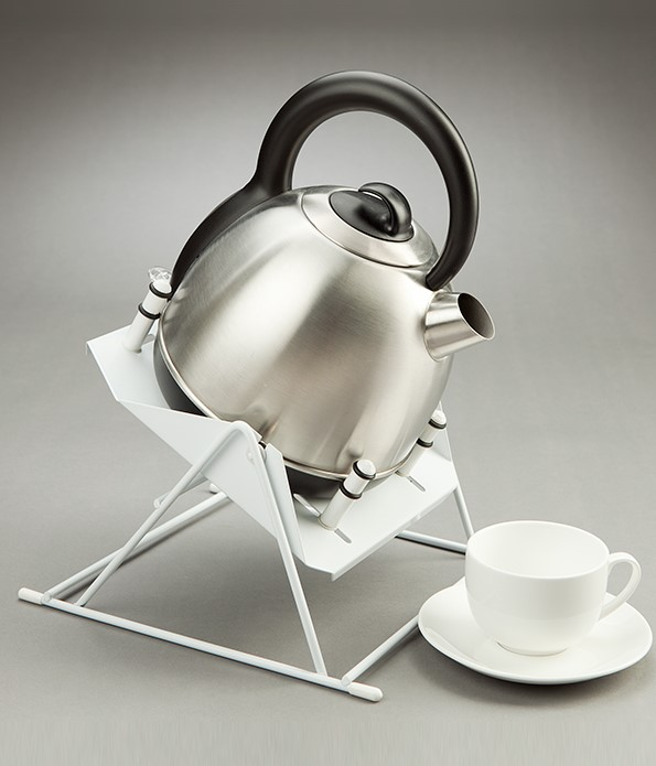 Kettle Tipper Standard Assists In Pouring Boiling Water